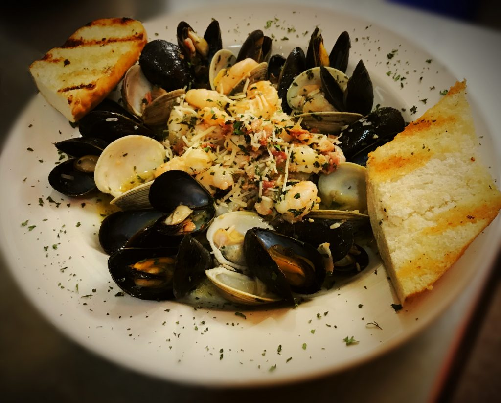 mussels-and-clams-meal